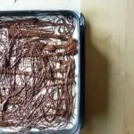 Der Klassiker aus Schoko-Biskuitteig und Pudding-Buttercreme und Schokoladeglasur - diesmal mit Topfen verfeinert.